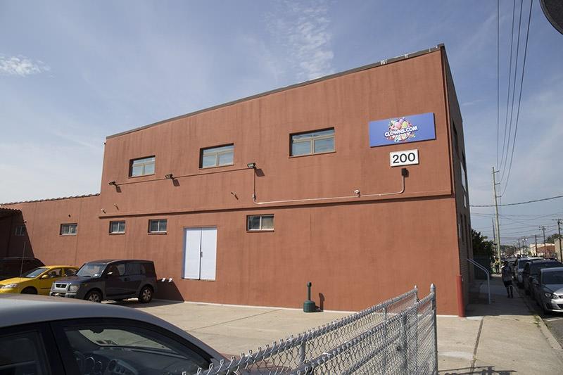 clowns-com-facility-building